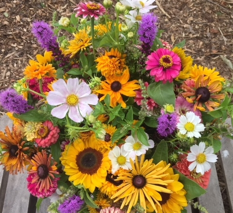Say yes to locally grown flowers, bouquets for all occasions