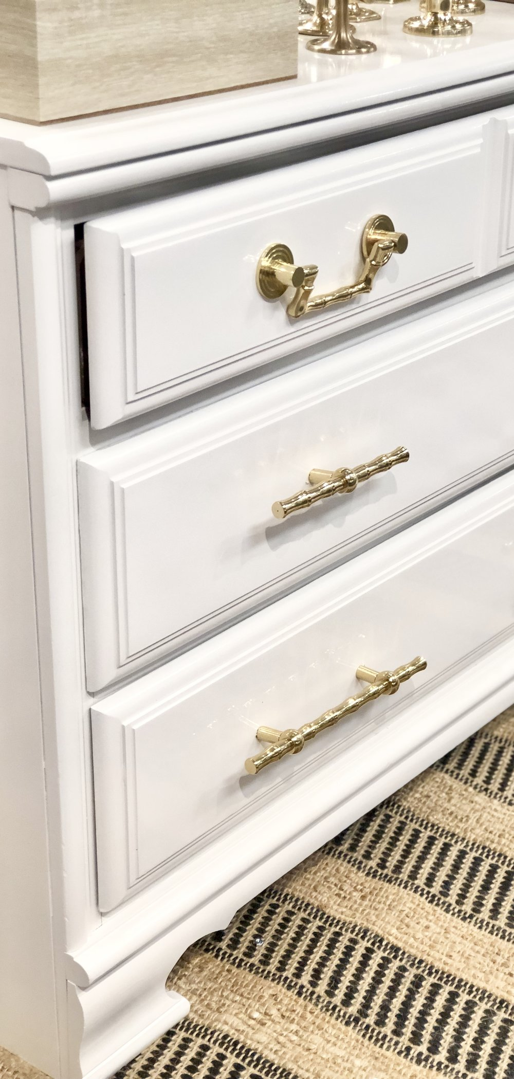 Take a look at the size of the drawers compared to the samples of hardware on the front—large and in charge!