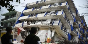 170908-mexico-earthquake-4-ew-326p_e9ba9d74ca848450704463d0efc087fc.nbcnews-fp-1024-512
