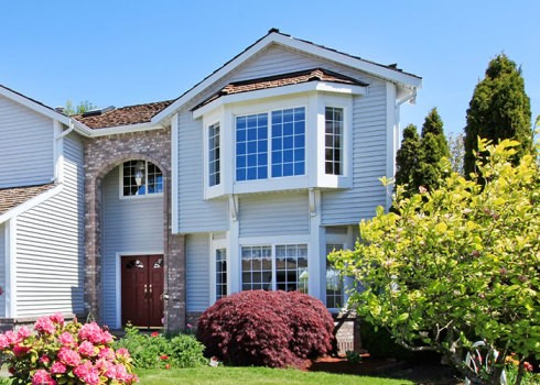 BOW & BAY - Canada Windows & Doors offers an unlimited choice of custom bow and bay window designs. You can have all windows fixed or your choice of operating windows.