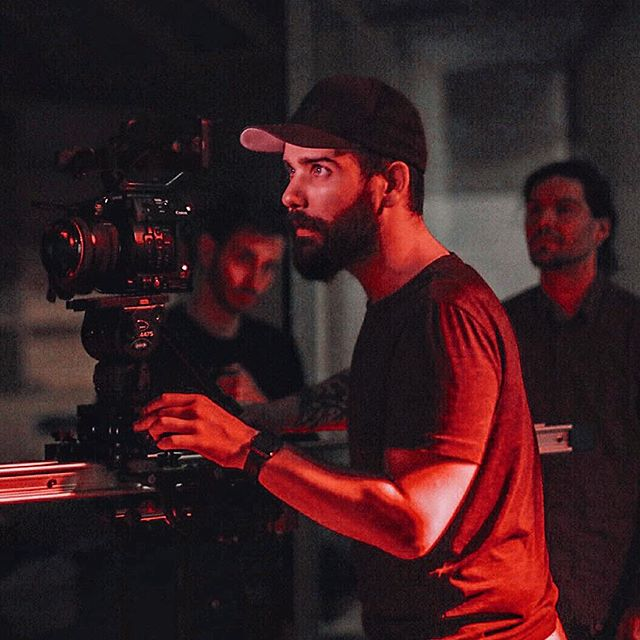 Fire set with the crew and this incredible @proaimglobal Cambird Pro 6ft🎥👌🏻 • A night shooting w/ neons and @bliyce 🎞 • @canonitalia C200 4K RAW 12bit📽 #helios44_2 🎞 • • • • #filmmaking #filmmaker #cinematographer #cinematography #cinema#film #director #adobe #canon #c200