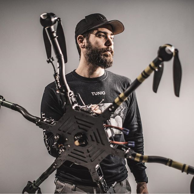 So stocked to announce you our latest purchase: say hi to our brand new @freeflysystems #ALTA6 to joint the VMultimedia family🎥 • We tested the stunning @relio_it for this picture! Go grab yours🍾 • • • • ➡️ http://Facebook.com/filippocinotti.dop ⬅️ • • • #filmmaking #filmmaker #cinematographer #cinematography #cinema#film #director #adobe #mōvi #mōvimethod #freeflysystems