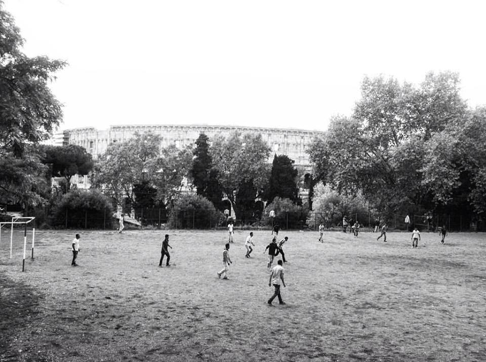 Refugiés footibol roma.jpg