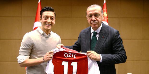 Ozil et son poto Erdogan…