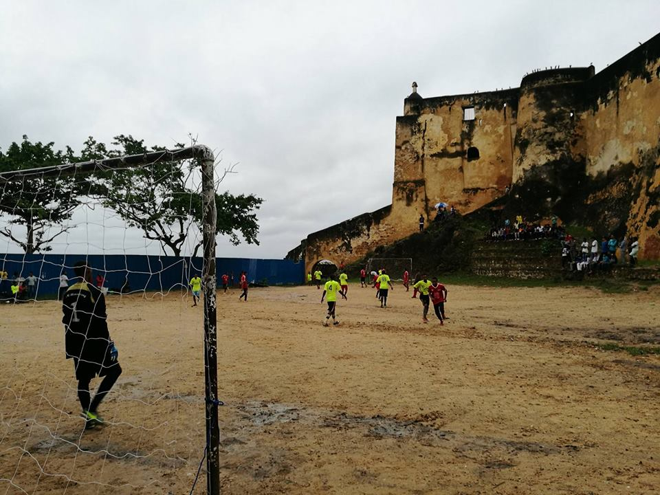 Mombassa-Kenya - The famous Fort Jesus acts here as terraces. History is the past. Today is time to play football - Sent by Valentine Delorme