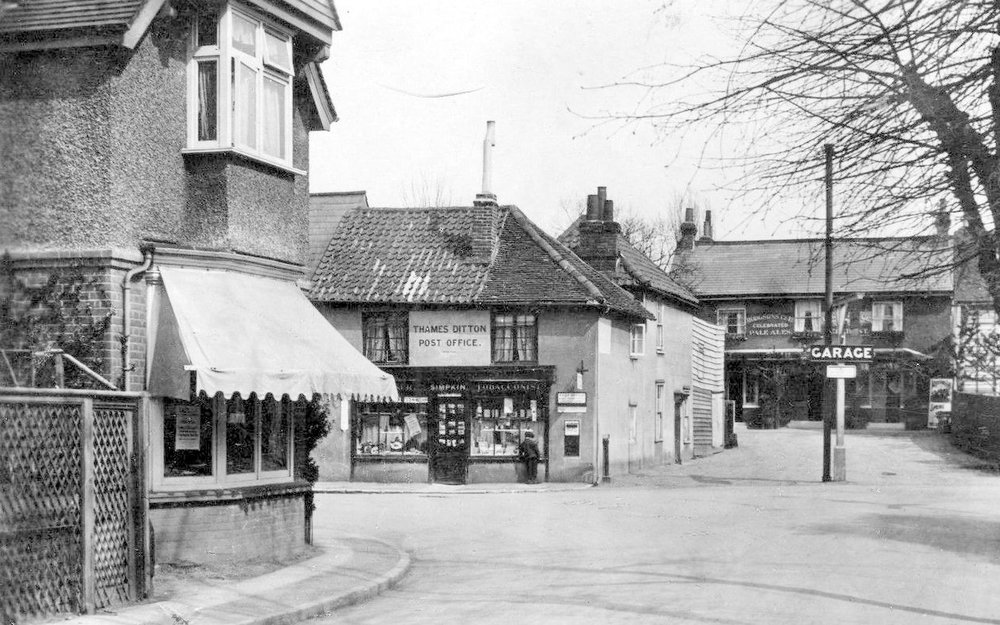The view from Station Road towards the George & Dragon