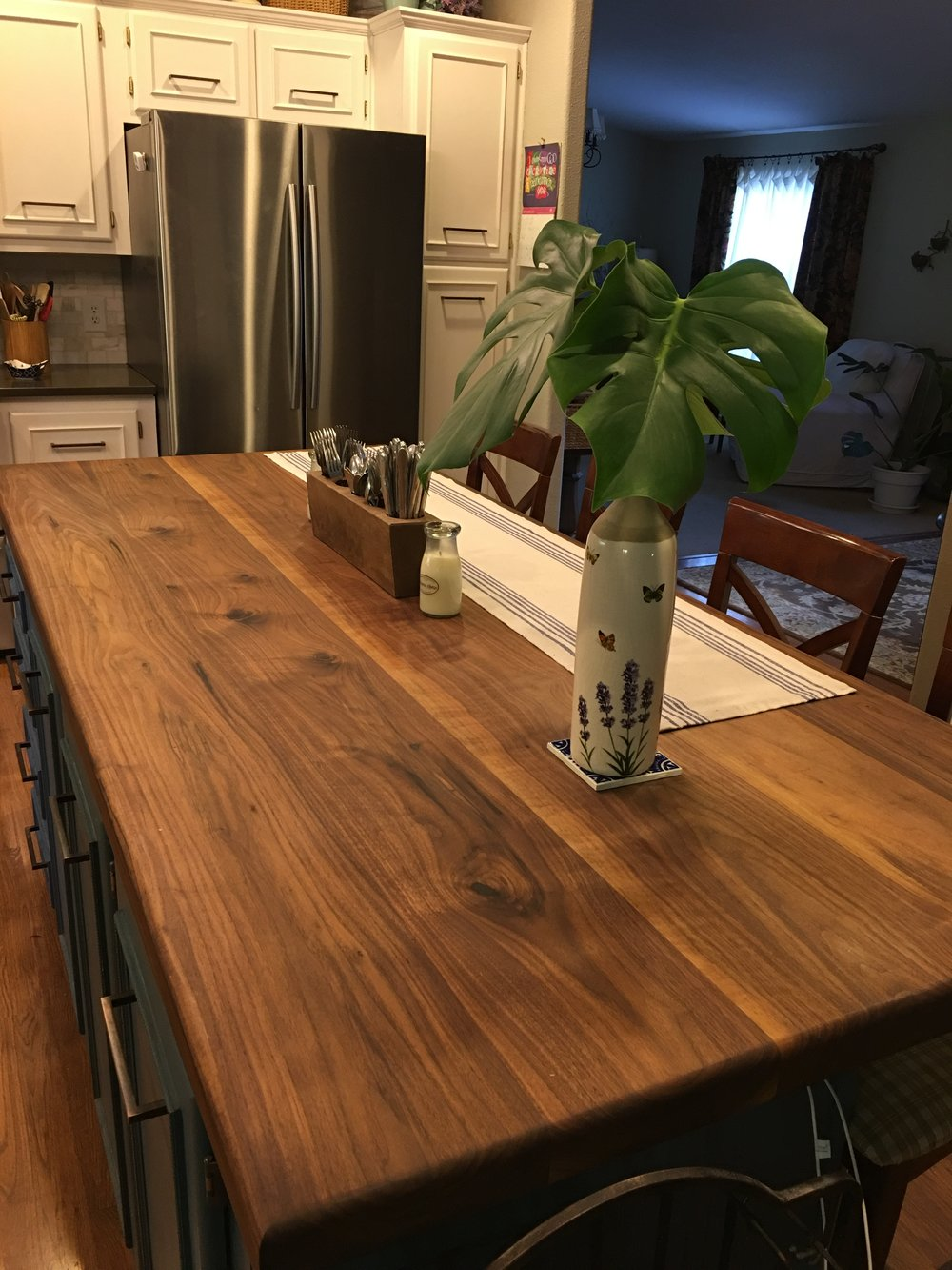 walnut top.JPG