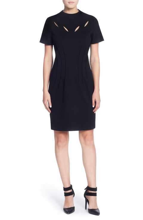 Den här vackra klänningen Jesse Sheath dress från Catherine Malandrino för endast 1201 kronor på nordstrom.com, är enkel i sin skärning men adderar ändå lite EDGE med sina vackra cut-outs i ringníngen.