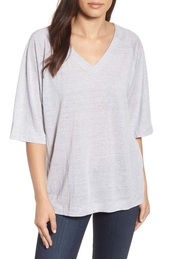 Ett av USA´s mest populära t-shirts kommer från Eileen Fisher. Den kommer i en mängd olika utföranden. Den här är i organiskt linne (V-neck box Tee) och kostar 1389 kr. Kan klickas hem på nordstrom.com stora rea.