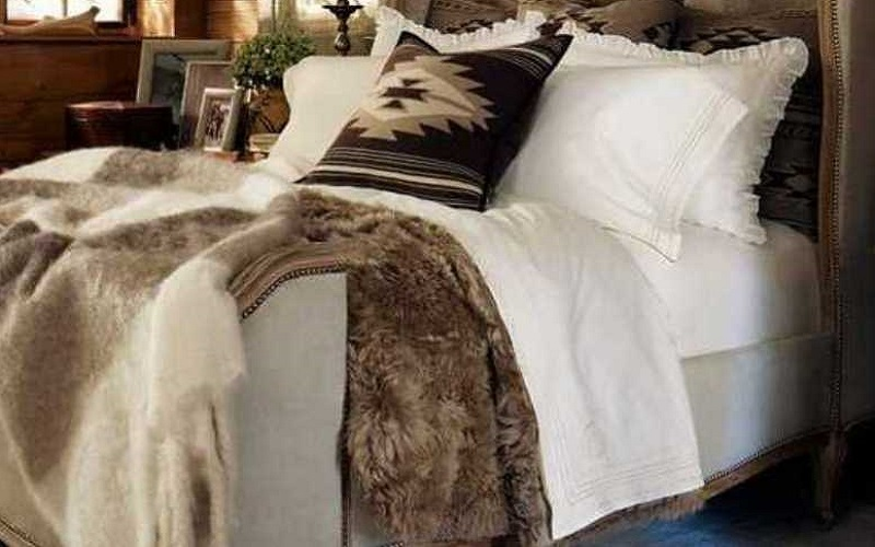 Suri fur comforter, luxury bedding in Taupe