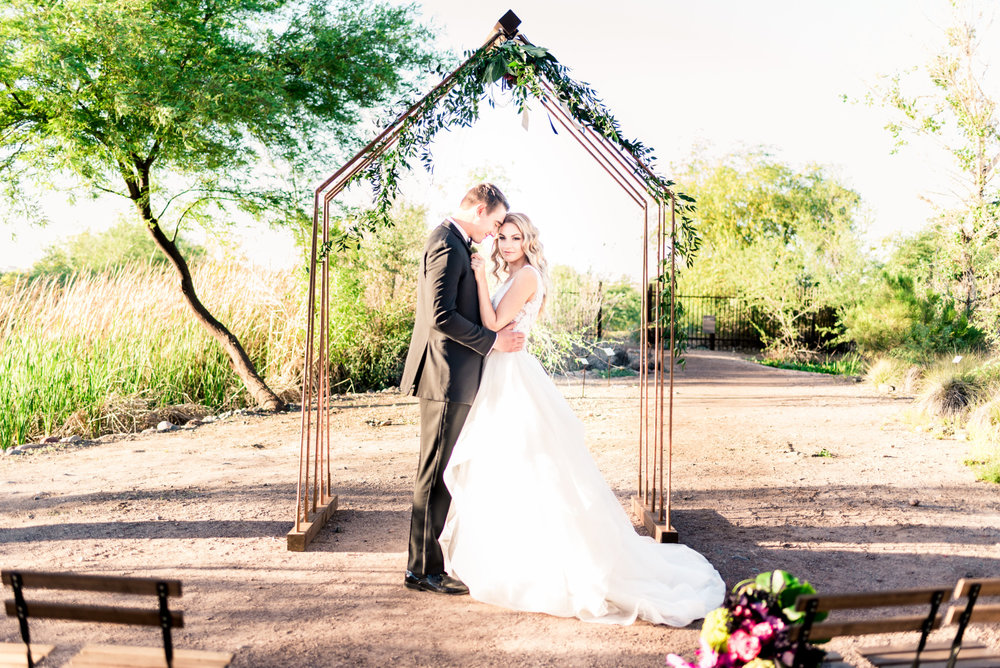 2017_03_30_Styled_Wedding_Earthy_Modern_Audubon__Mindy_DeLuca_Bride___Groom_059.jpg