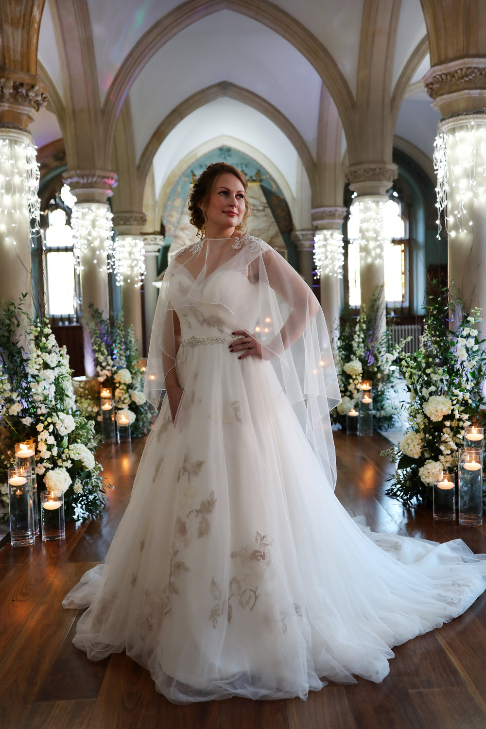 Long cape with lace shoulders - Be Unveiled Photography