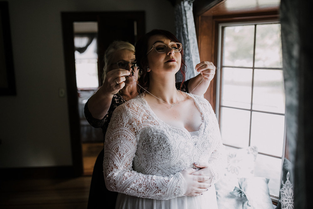 Jess+Craig-00 Getting Ready (Bride)-meandhimphoto-0068-K5D49843.jpg
