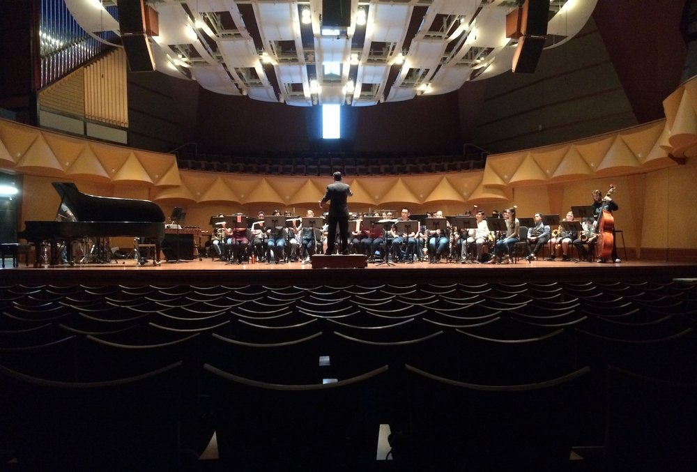 Dr. Dustin Barr rehearsing Catalyst with the CSUN Symphonic Winds.