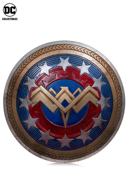 DC_Gallery_Wonder_Woman_Shield_5c661a4d0beee8.30197304.jpg