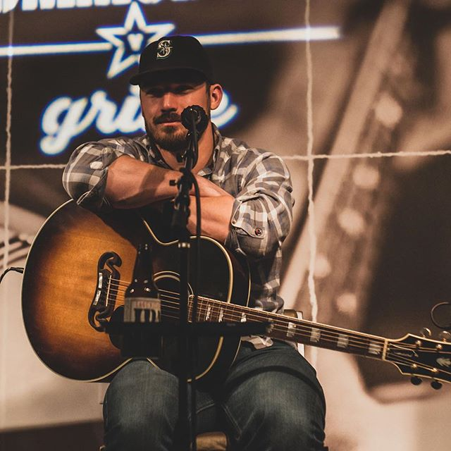 "This was taken while thinking ""My beer is empty and I don't remember the first line of my next song. Giddyup"" 📸 @jonteswoope  thanks for coming out dude!"