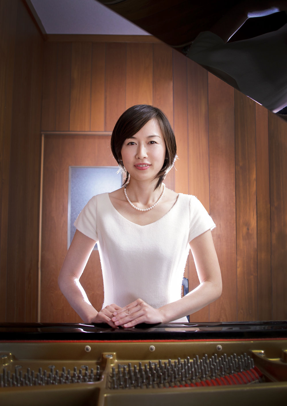 pianist vert 1400px.jpg