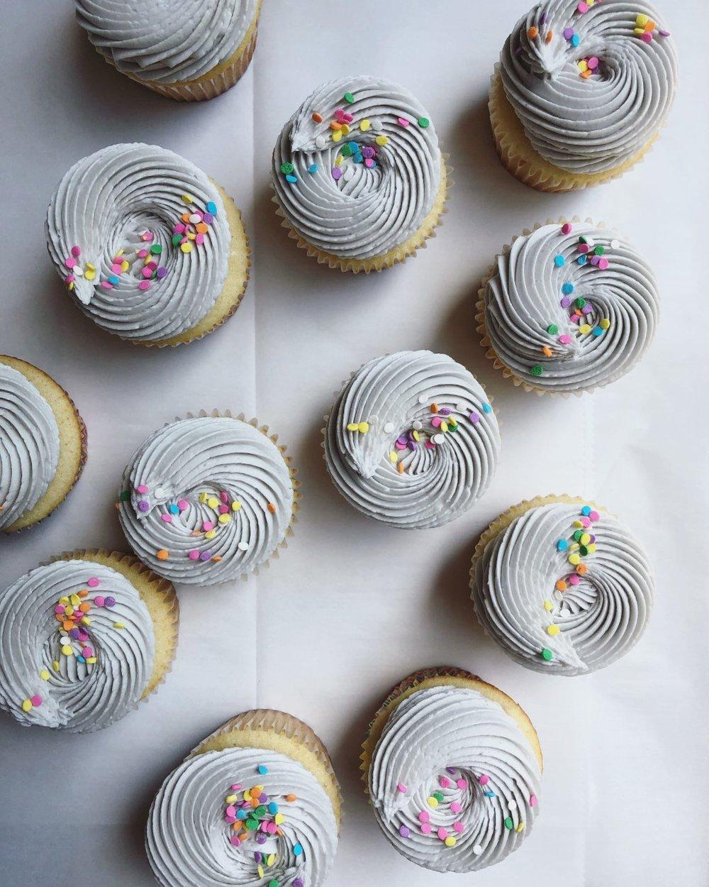 vanillacupcakes.jpg