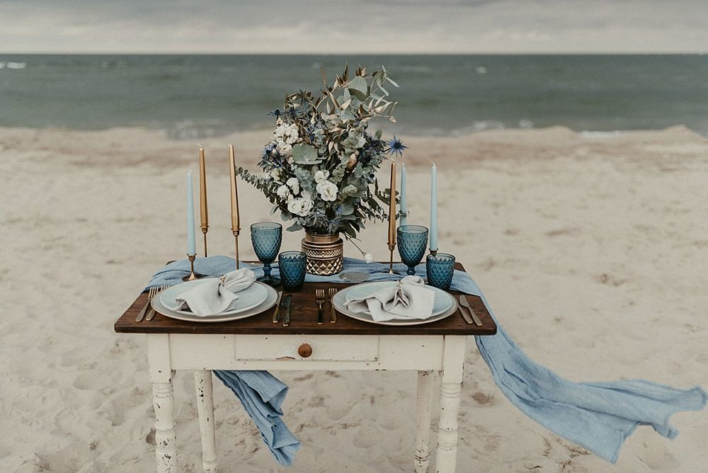A-blue-and-gold-beach-bridal-wedding-shoot-jessi-and-markus-photo-and-film-18.jpg