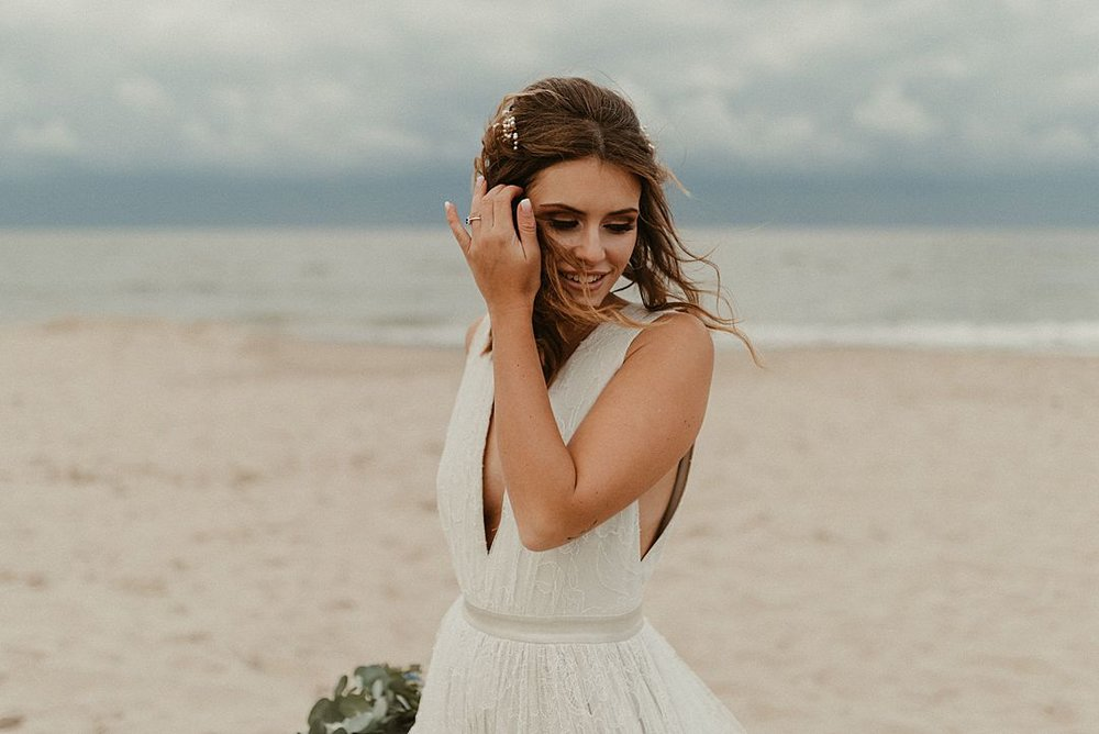 A-blue-and-gold-beach-bridal-wedding-shoot-jessi-and-markus-photo-and-film-13.jpg
