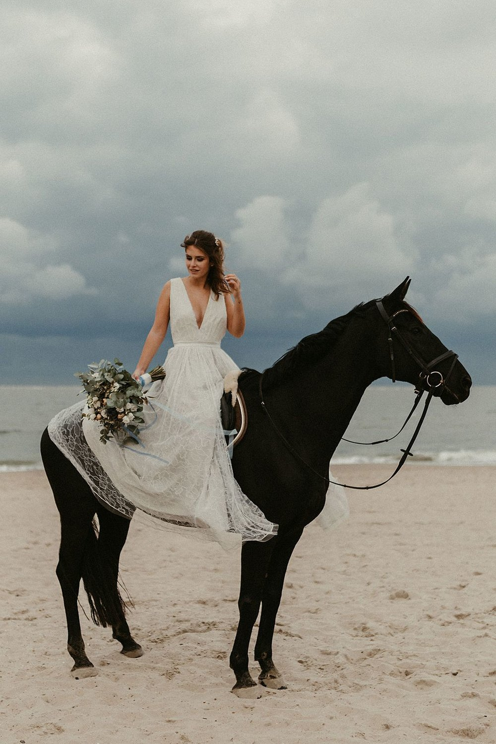 A-blue-and-gold-beach-bridal-wedding-shoot-jessi-and-markus-photo-and-film-14.jpg