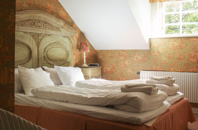 - Personally decorated rooms inspired by tradition and history. Cosy beds and all the creature comforts you could possibly require.