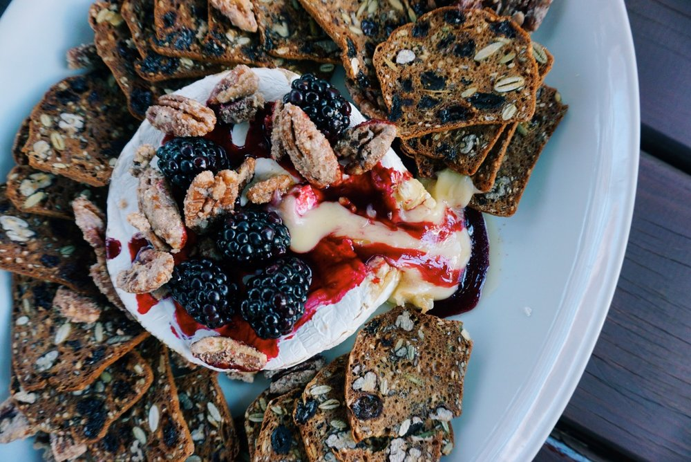 BAKED BRIE WITH SPICED PECANS AND & BLACKBERRY COMPOTE - Bringing you the perfect cheesy snack for a cool autumn day. The leaves are just past peak in Connecticut, providing the perfect backdrop for our relaxing afternoon. I spend most of my time in Brooklyn, so it's always refreshing to get out of the city to chill out in the woods.