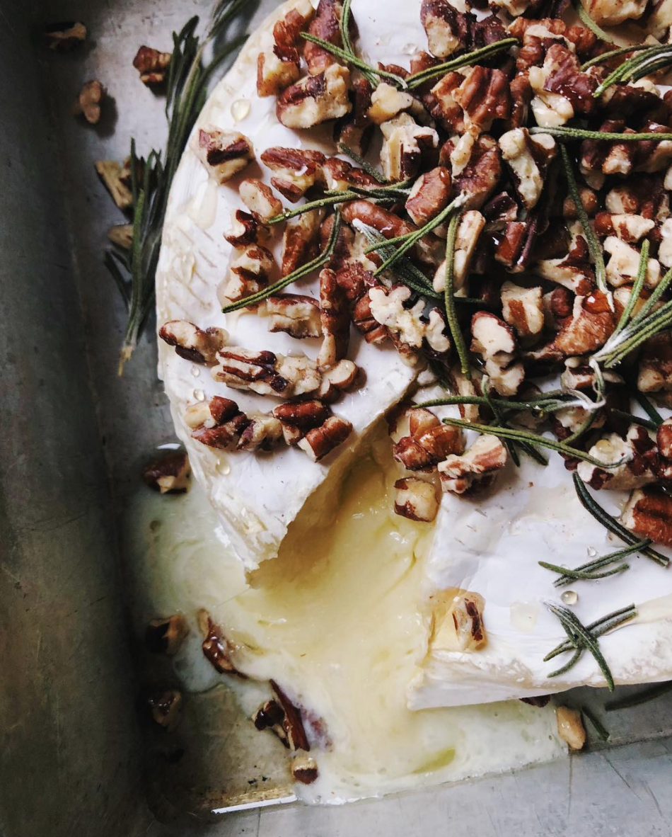 BAKED BRIE WITH ROSEMARY, TRUFFLE HONEY AND WALNUTS -
