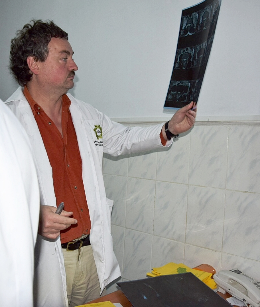 Dr. med. Cornel Eisfeldt ( Spine Surgeon ) during a consultation in Afghanistan.