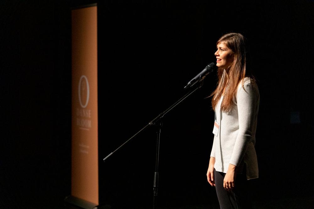 Lindi Nolte, artiste spoken word de Vancouver Photo par Andi McLeish