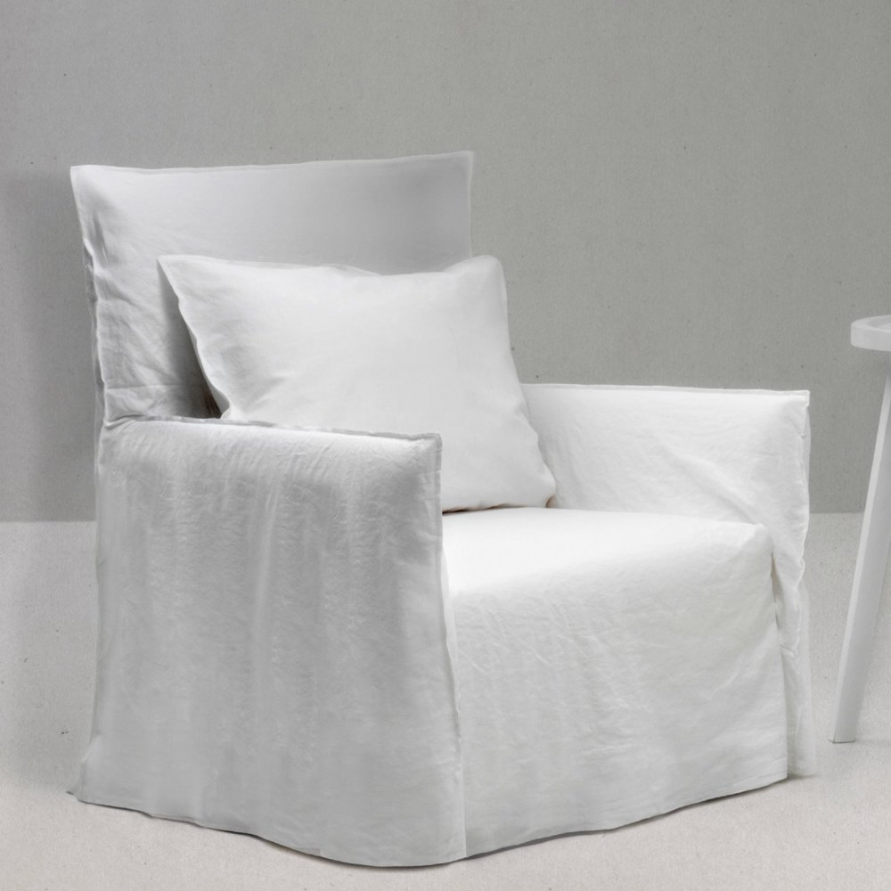 gervasoni ghost 04 - Armchair: One back cushion 50 x 50 cm. Removable Covers in White Linen.