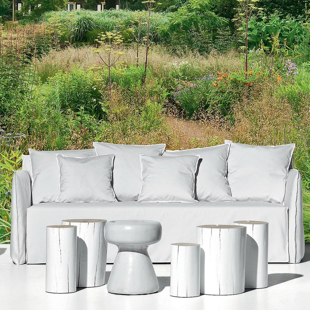 gervasoni gHOSTOUT 12 - Sofa for outdoor use,Four back cushions 60x60 and two 50x50 cm. Removeable covers in White Linen.