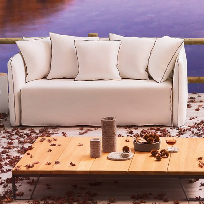 gervasoni gHOSTOUT 10 - Sofa for outdoor use, Three back cushions 60x60 and two 50x50 cm. Removable covers in White Linen.