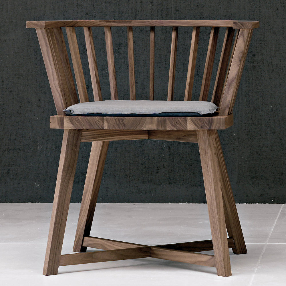 gervasoni GRAY 24 - American Walnut frame. Cushion not included.