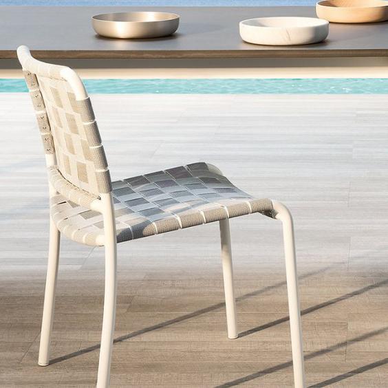 gervasoni inout 823 c - Chair, stackable matt white aluminium tubular frame with elastic belts.