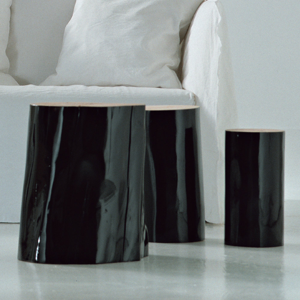 gervasoni logs s/m/l - Trunk section of beech, barked and glossy black or white lacquered outside.