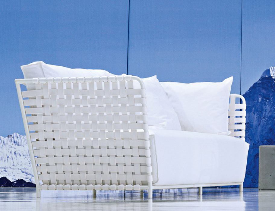gervasoniinout 803 f - Sofa,aluminium tubular frame,available in white.