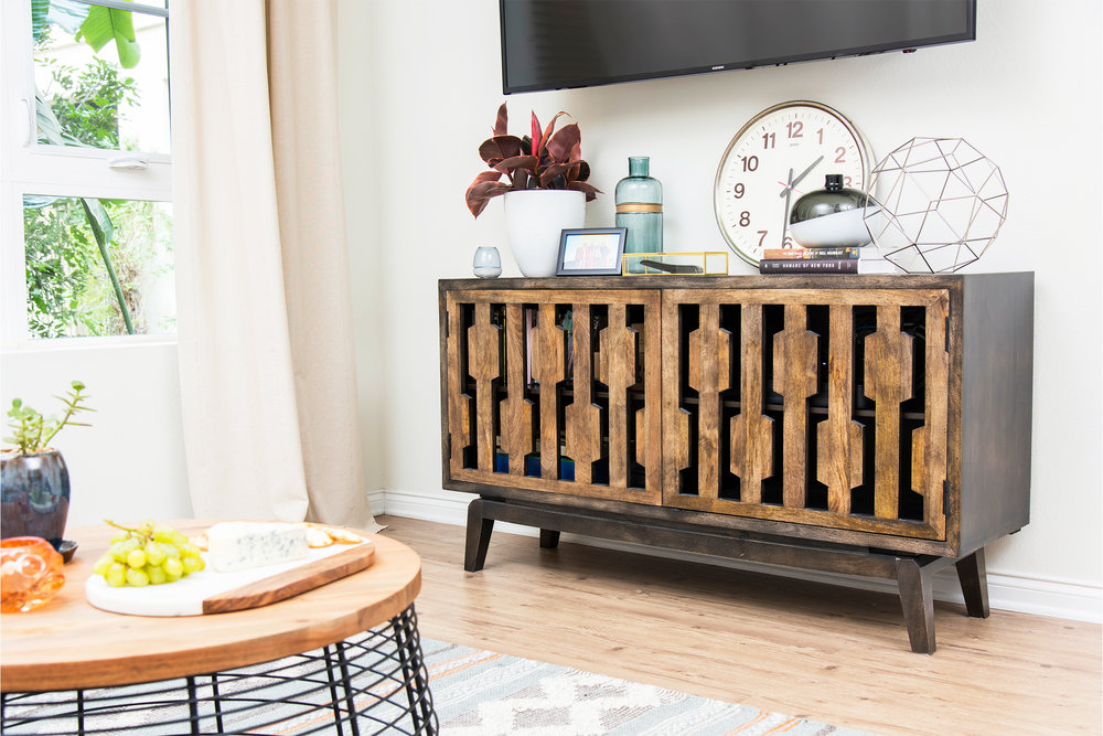 Can you believe this console is from Pier 1?!   xo, Ebright Design