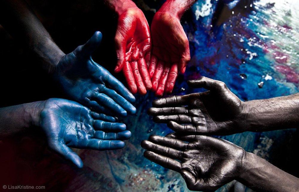 lisa_kristine_com-blue-red-black-india.jpg