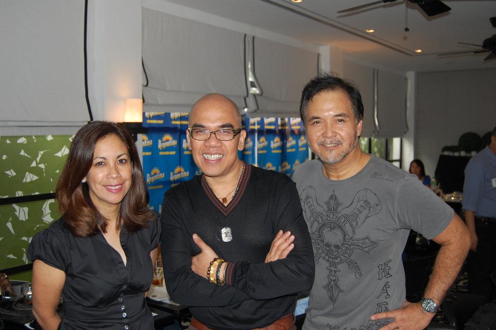 "Sandie Squillantini and Yong Nieva with the ""King of Talk,"" Boy Abunda"