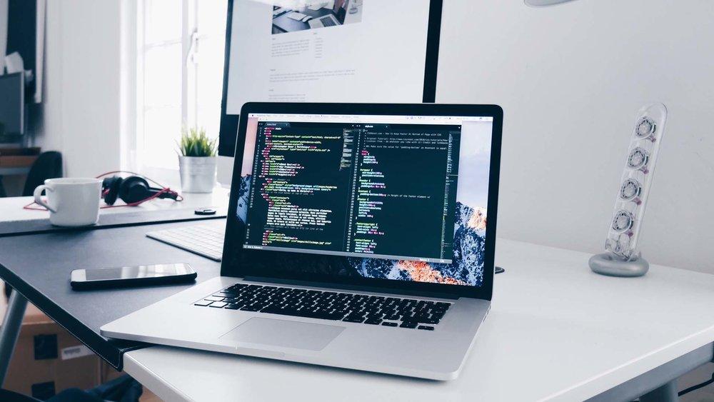 Un diseño que hablapor si solo. - Diseñamos hermosos sitios web intuitivos, con impacto real. Crearemos un hogar en línea para su marca que se sienta vivo y relevante para su audiencia, y lo inspiraremos con ideas para aumentar y fortalecer constantemente su presencia digital.
