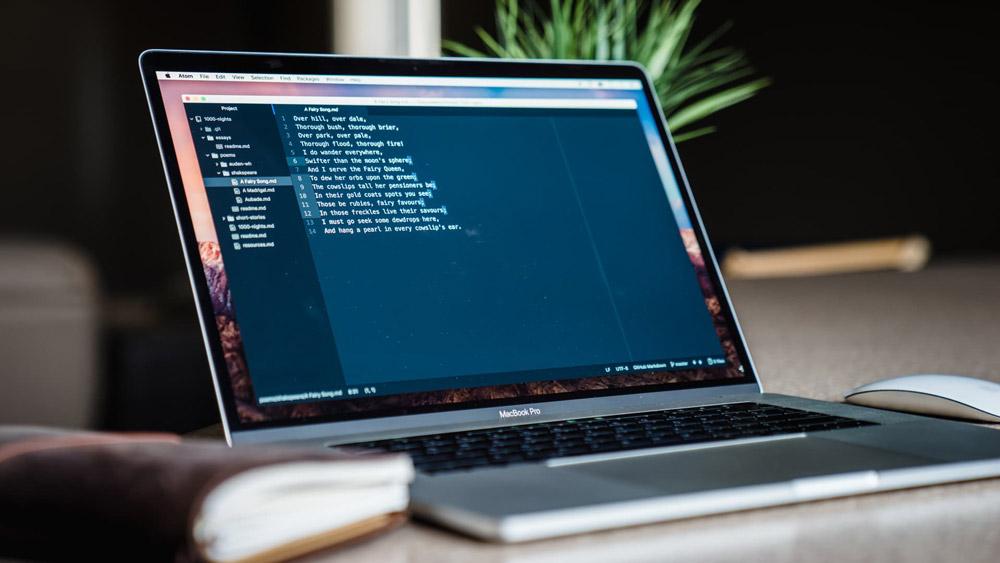 Desarrollo Web - En un mundo consumido por el software, un negocio no se trata sólo de vender productos o servicios. Hoy en día, el éxito de un negocio esta condicionado en gran parte por las aplicaciones a la medida, capaces de satisfacer de forma precisa las necesidades estratégicas y comerciales.