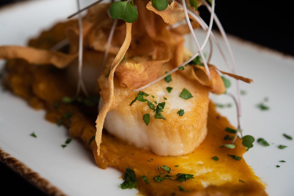 Diver's Scallops – Fried Parsnip, Butternut Squash Puree_9.20.18__Chip Klose5.jpg