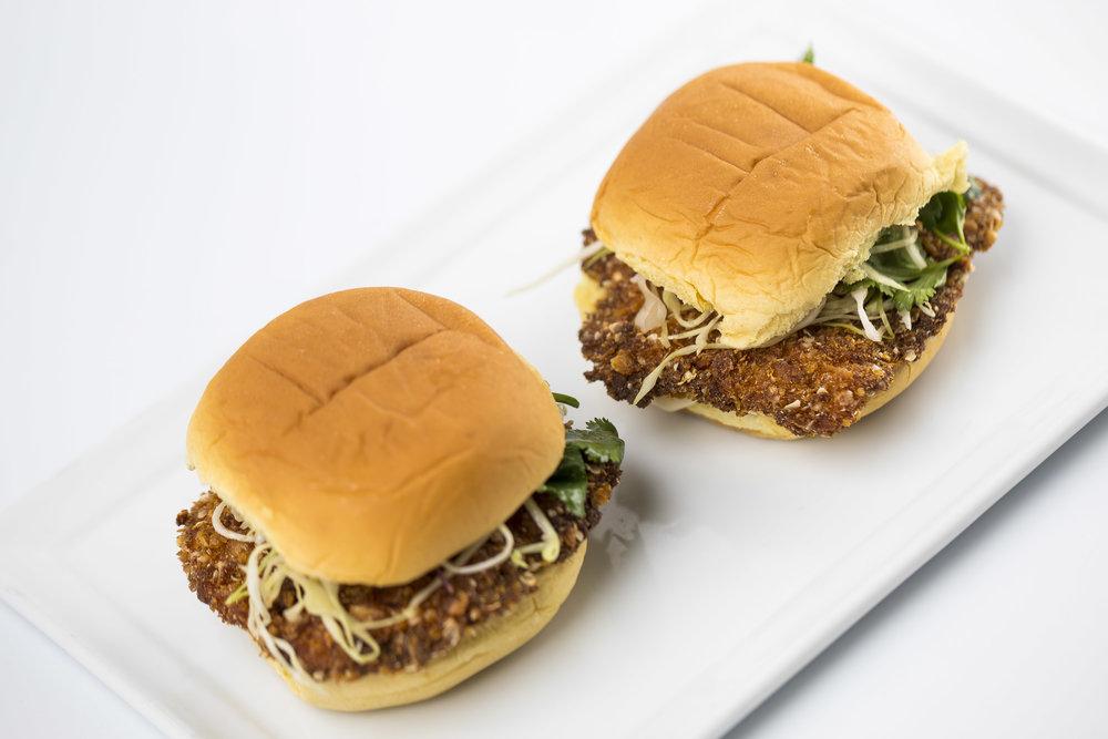 Puha and Quinoa Crusted Chicken Sliders_tamarind aioli_crunchy slaw_Martins roll 33.JPG
