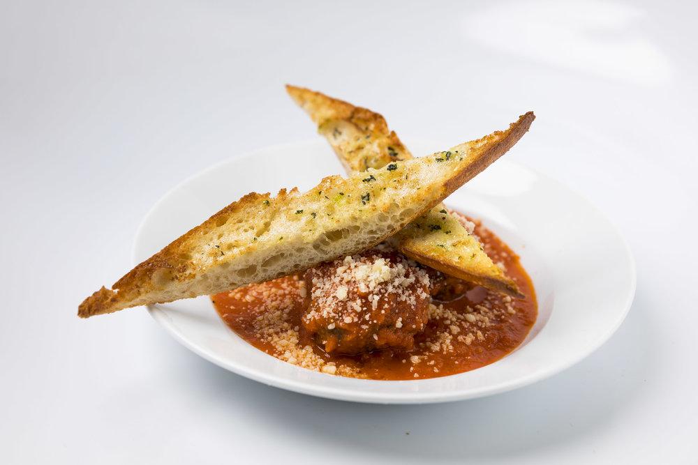 Nana's Meatballs_marinara sauce_garlic toast_parmesan81.JPG