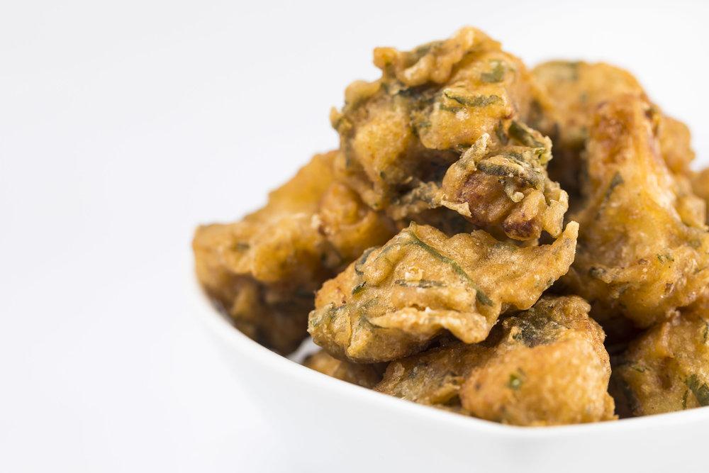 Crispy Indian Spiced Cauliflower_mint_parsley_tahini sauce24.JPG