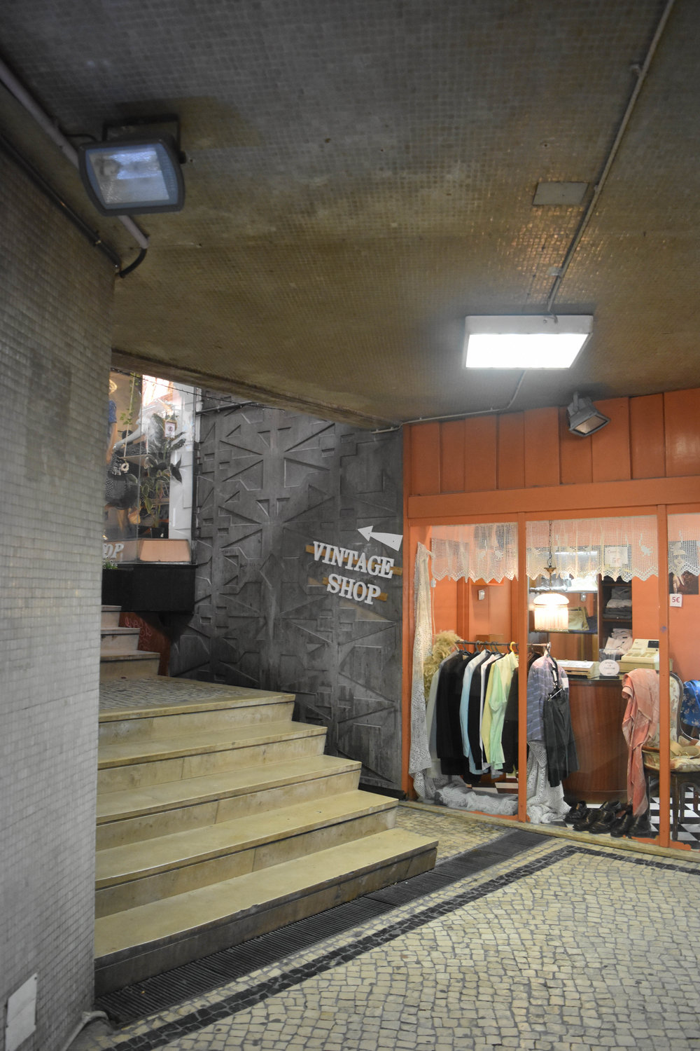 The shop is a bit hidden. Continue to follow the ——->,