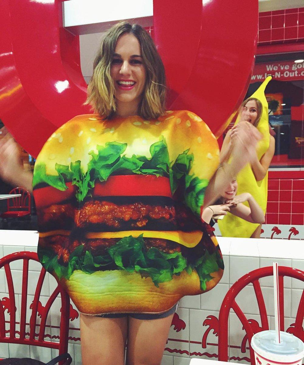 halloween burger.jpg