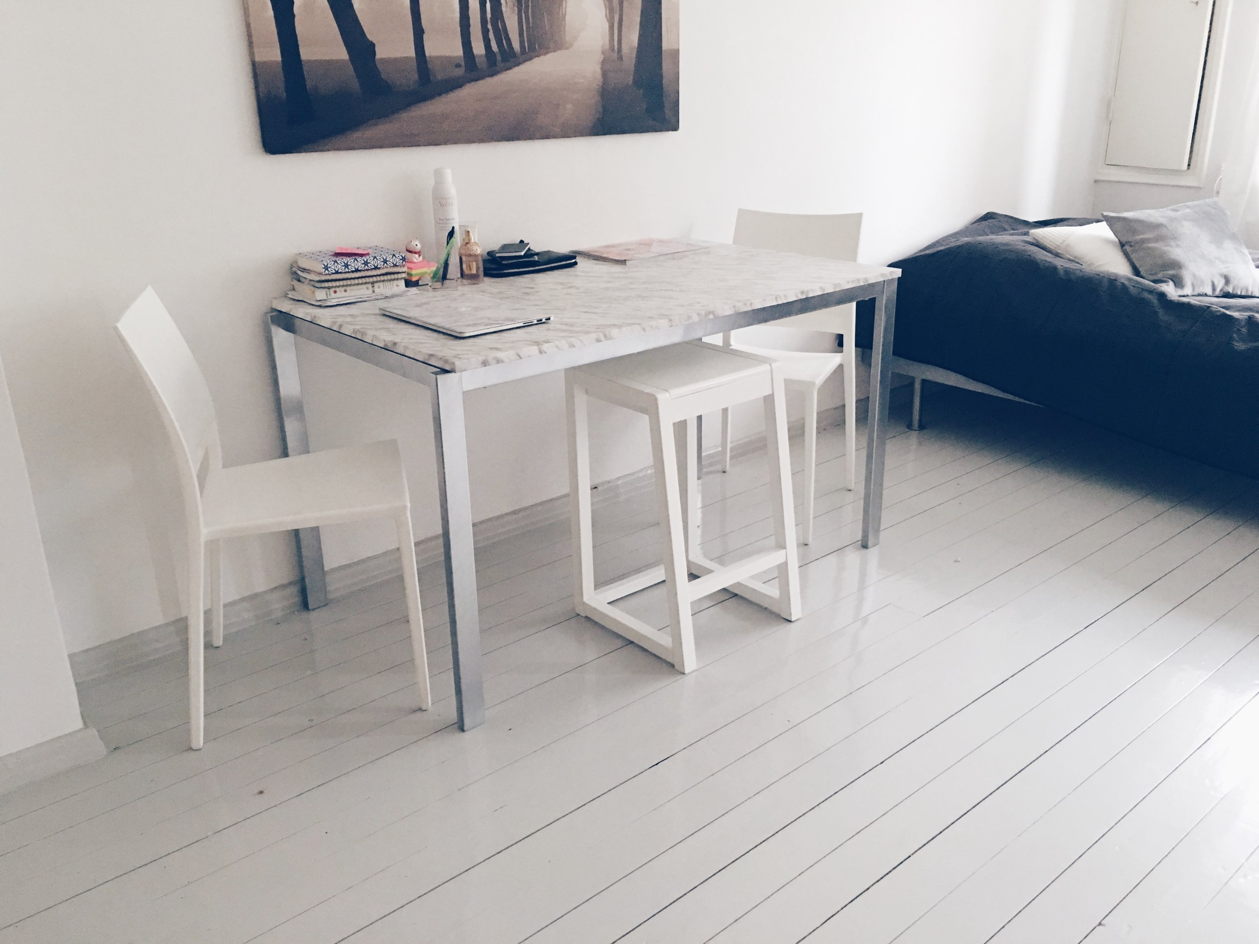 Marble table silve legs