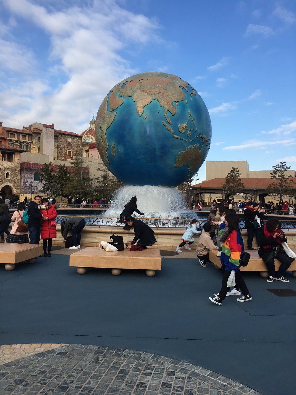 DisneySea-Schuyler-Croy-Globe.JPG